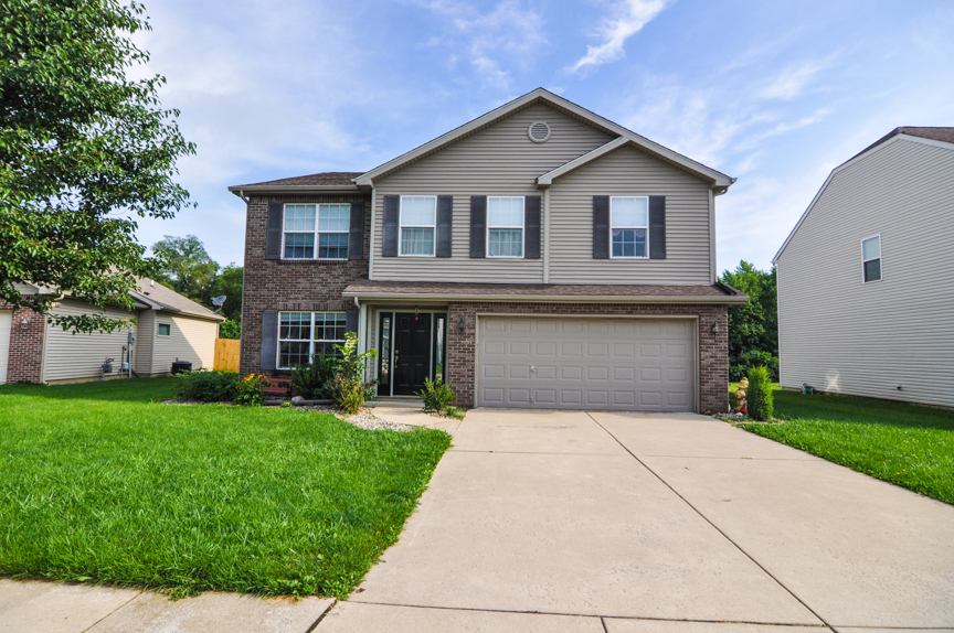 Home For Sale in Blackthorne in West Lafayette!