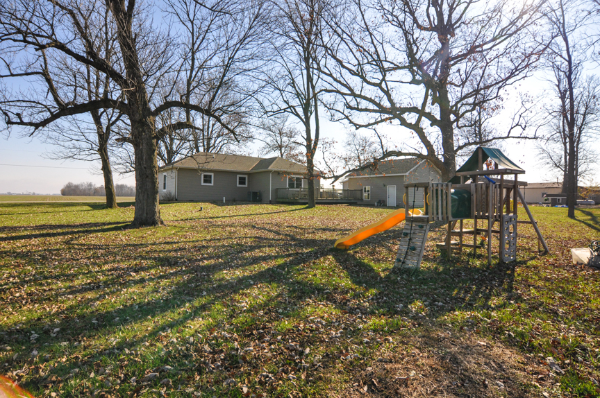 County Living at 4222 S. County Line Road!